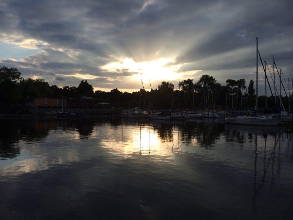 Kirchmoeser Abendstimmung Segelhafen